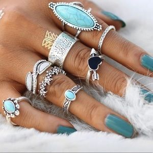 8 pc Vintage Turquoise Crystal & Acrylic Rings
